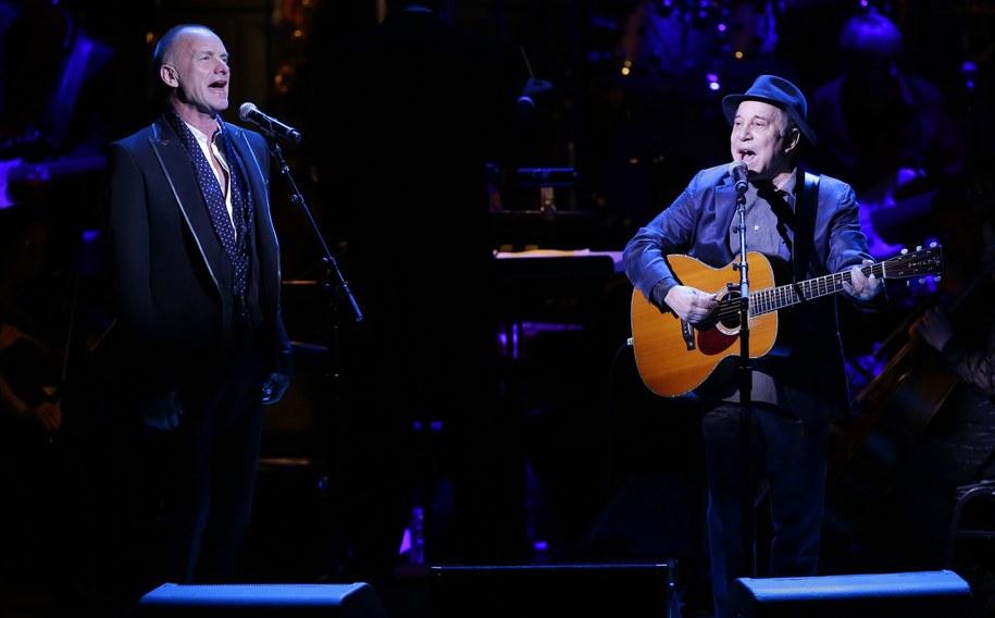 Sting i Paul Simon podczas kwietniowego występu w nowojorskiej Carnegie Hall /John Angelillo/Newscom /PAP