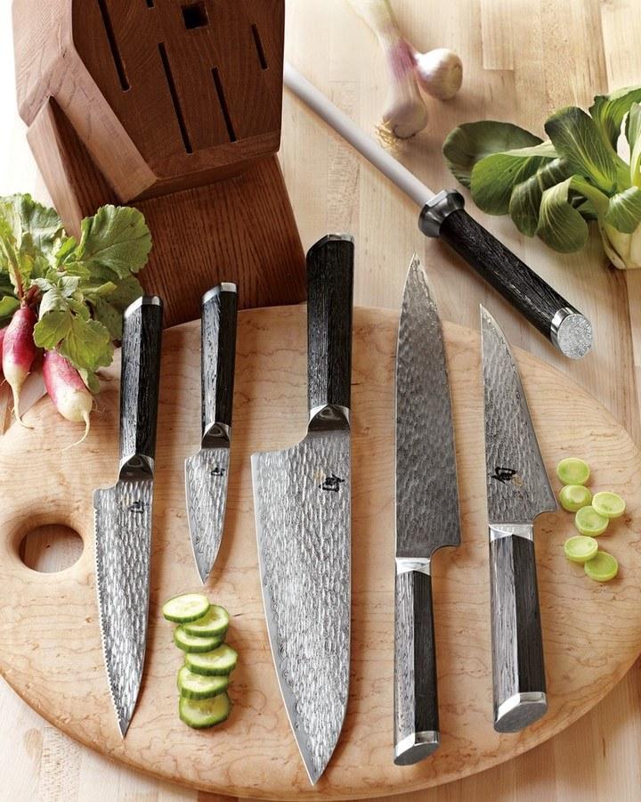 Stojak na noże mycie /© Photogenica