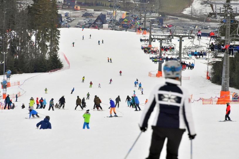 Stoki narciarskie będą czynne. Półtora metra śniegu i wszystkie trasy czynne. /Paweł Murzyn  /East News