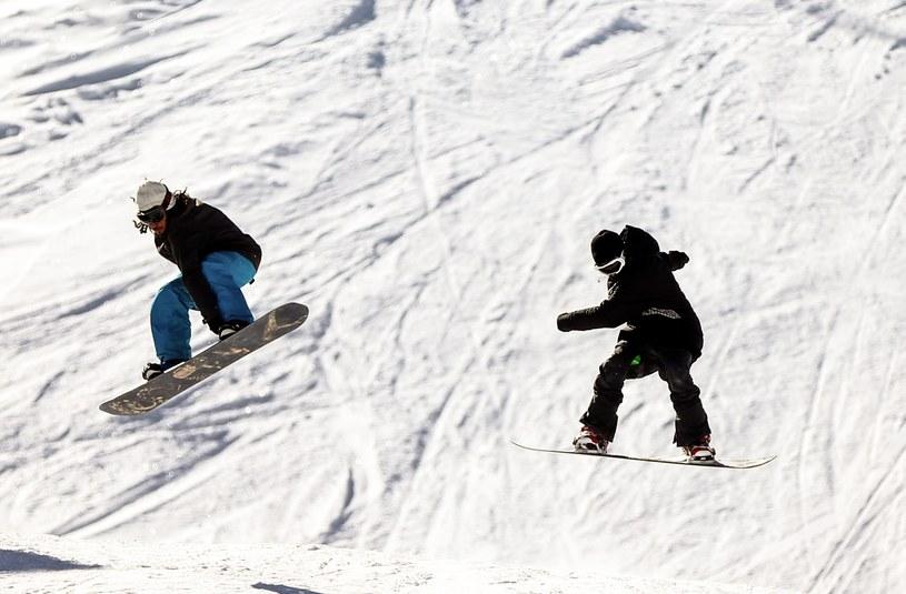 Stoki w Dizin przeznaczone są dla narciarzy i snowboardzistów /Getty Images