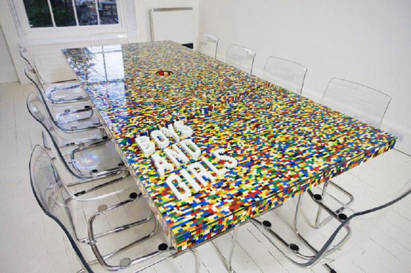 Stół z klocków Lego! /hongkiat.com /INTERIA.PL