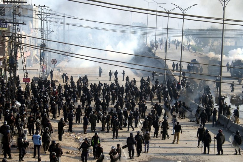 Stolica Pakistanu jest sparaliżowana /SOHAIL SHAHZAD /PAP/EPA