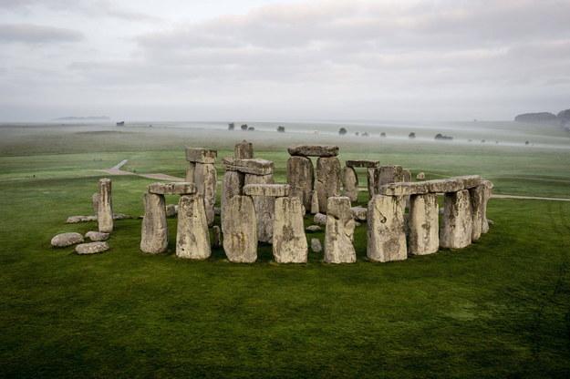Stonehenge od 1986 roku znajduje się na liście światowego dziedzictwa UNESCO /Ben Birchall    /PAP/EPA