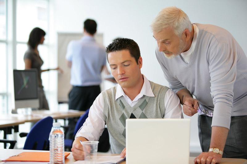 Stopa zatrudnienia osób 55+ była wyższa /123RF/PICSEL