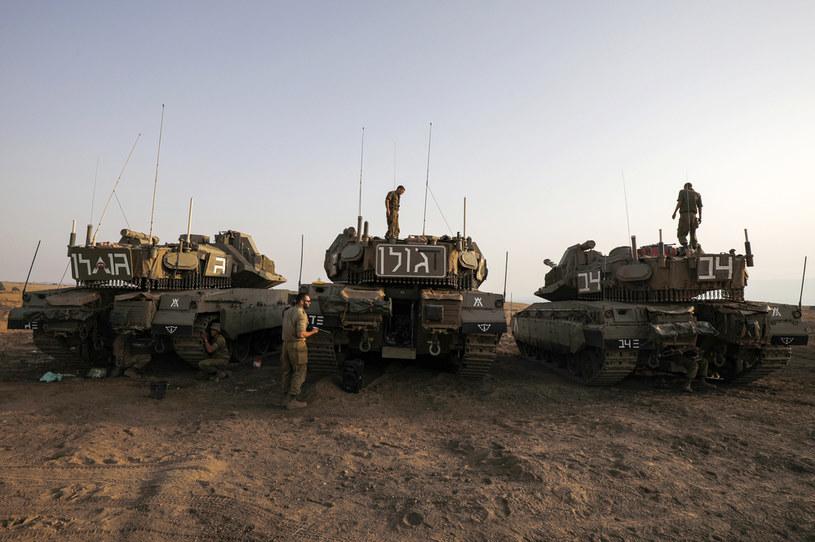Stosowanie kontrolerów do gier w armii nową metodą na obniżenie kosztów /AFP