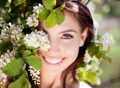 Stosuj filtr bezwzględnie rano, po oczyszczeniu skóry i nałożeniu antyoksydantu /Styl.pl/materiały prasowe