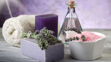 Stosując naturalne kosmetyki masz pewność, że nie dodano do nich szkodliwej chemii /Picsel /123RF/PICSEL