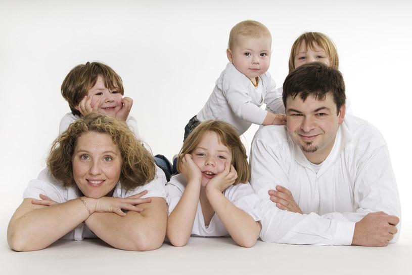 Stosujcie te same zasady wobec wszystkich dzieci. Sami również podorządkujcie się domowym regułom zachowania /© Panthermedia