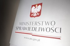 Stowarzyszenia sędziów: Działania ministra sprawiedliwości rozpoczęciem ścieżki Polexitu