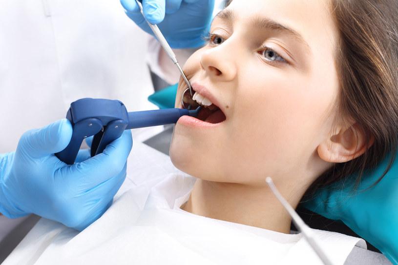 Strach przed dentystą jest dziedziczny /123RF/PICSEL