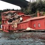 Stracili kontrolę nad frachtowcem. Ogromny statek zdewastował historyczną posiadłość