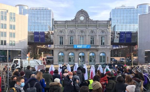 Strajk Kobiet: Parlament Europejski murem za manifestującymi w Polsce
