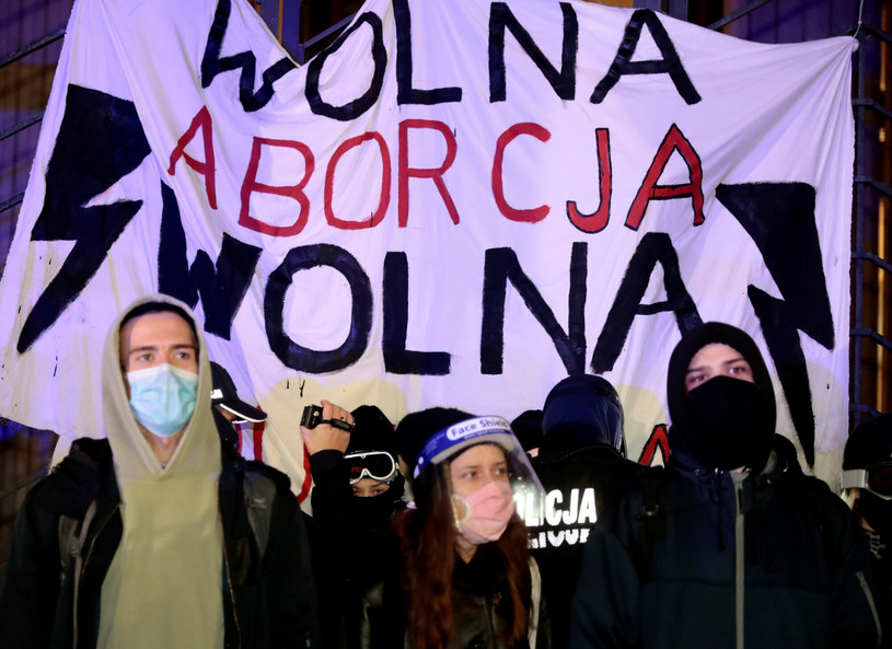 Strajk Kobiet protestuje w Warszawie /Piotr Molecki/East News /East News