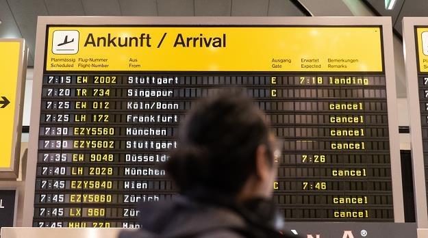 Strajk pracowników kontroli bezpieczeństwa na berlińskich lotniskach /EPA