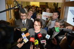 """Strajk w warszawskim liceum. """"Boimy się, że nasze dzieci nie zdadzą matury"""""""