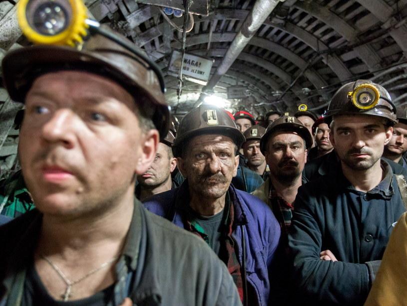 Strajkujący górnicy w Kopalni Węgla Kamiennego Kazimierz-Juliusz /Andrzej Grygiel /PAP
