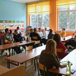 Strajkujący nauczyciele dostaną pieniądze z funduszu społecznego w wakacje