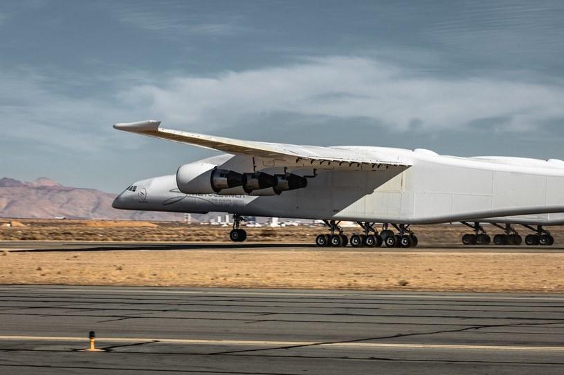 Stratolaunch - największy samolot świata /materiały prasowe