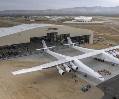 Stratolaunch zawiesza swoją działalność - koniec największego samolotu świata