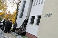 Straty po pożarze przed meczetem