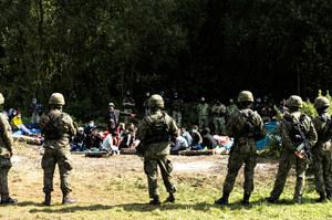 Straż Graniczna: Białoruś regularnie dostarcza posiłki koczującym na granicy