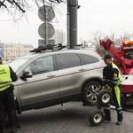 Straż Miejska odholuje więcej samochodów