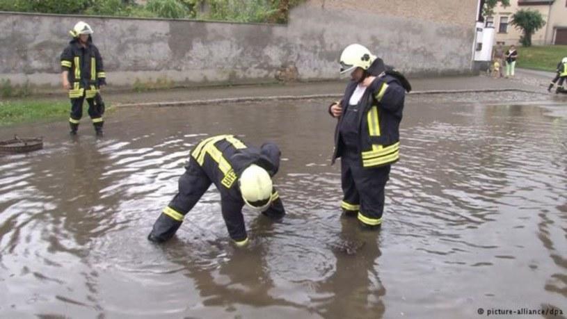 Straż pożarna musiała interweniować niemal nieustannie /Deutsche Welle