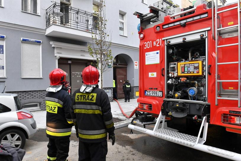 Straż pożarna na miejscu pożaru w Szczecinie / Marcin Bielecki    /PAP