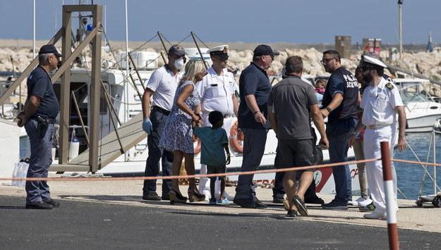 Straż przybrzeżna w Pozzallo /FRANCESCO RUTA /PAP/EPA