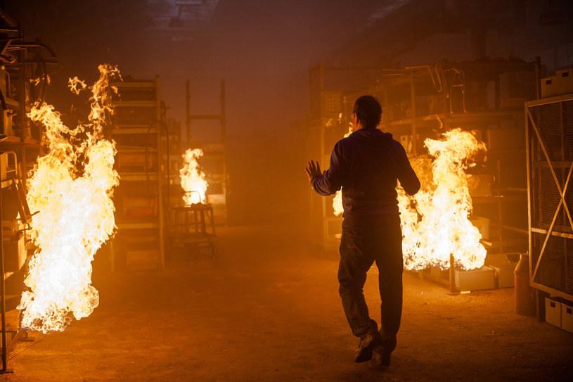 """""""Strażacy"""": Budynek w płomieniach /materiały prasowe"""