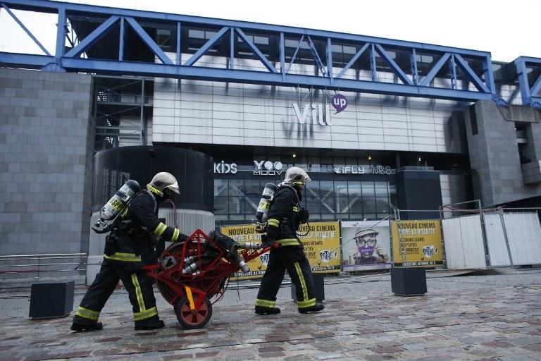 Strażacy na miejscu zdarzenia /AFP