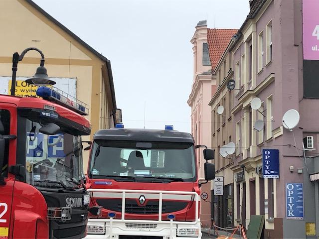 Strażacy przeszukują gruzowisko. Wg. świadków w budynku mogły jeszcze znajdować się dwie osoby /Anna Kropaczek /RMF FM