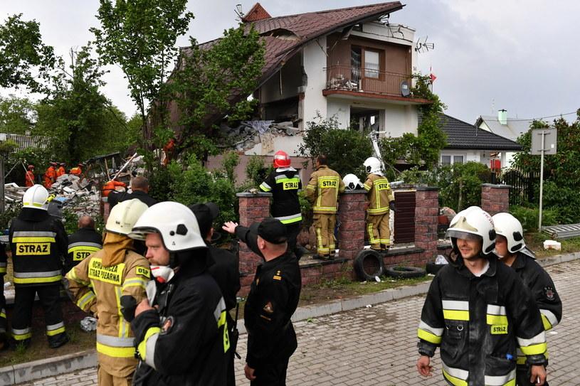 Strażacy w miejscu wybuchu gazu /Wojtek Jargilo /PAP