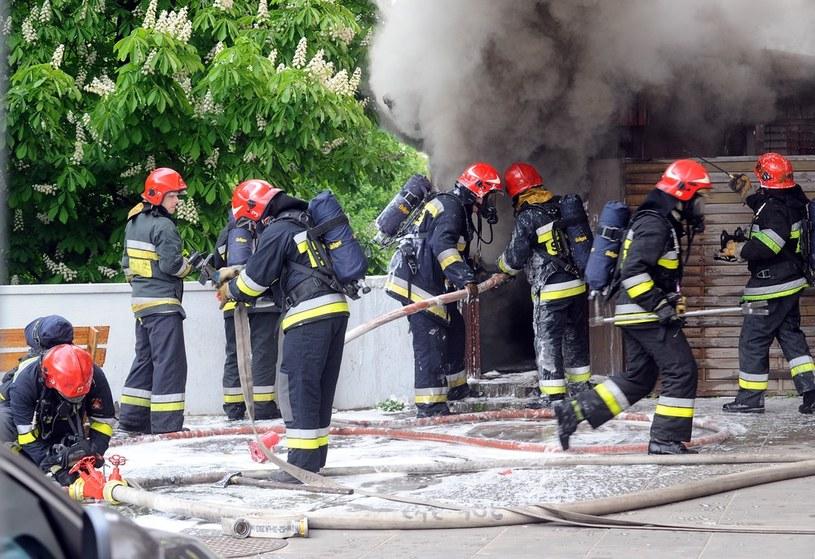 Strażacy zbyt szybko odchodzą ze służby /Mieczyslaw Wlodarski /Reporter