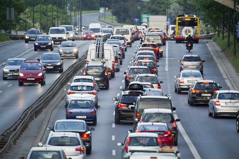 Strefy czystego transportu mają powstawać w centrach dużych miast /Wojciech Stróżyk /Reporter