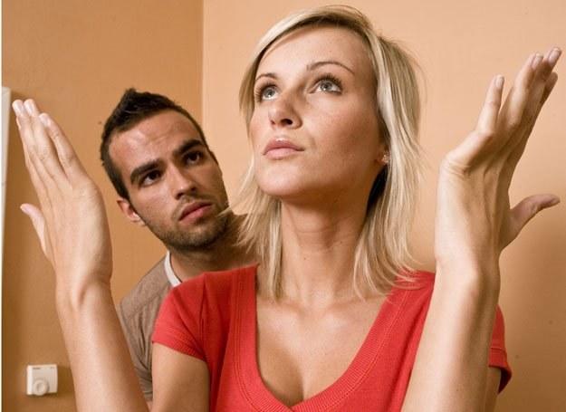"""Stres , także ten związany z byciem """"nowym"""" jest mniejszy u tych, którzy czują wsparcie bliskich"""
