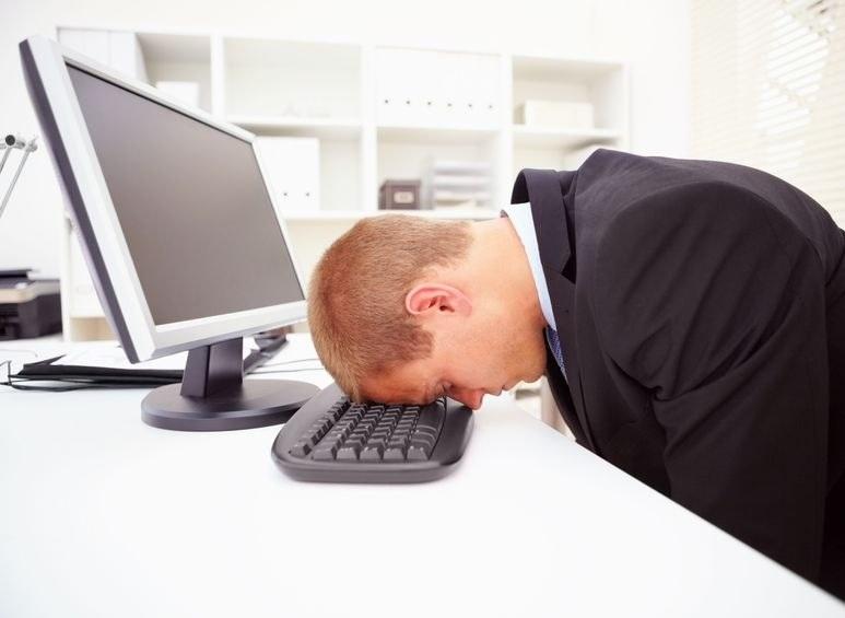 Stres w pracy dopada wielu z nas. Ale są sposoby, by sobie z nim poradzić /123RF/PICSEL