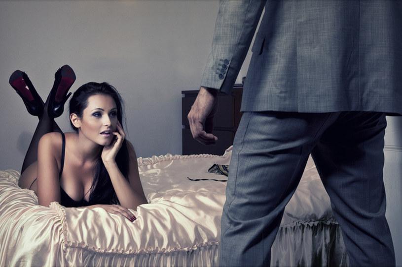 Striptiz w wykonaniu twojego partnera z pewnością pomoże przywrócić ci ochotę na seks /  - /© Panthermedia