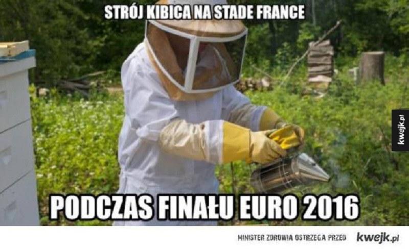 Strój kibica na finał /Kwejk.pl /Internet