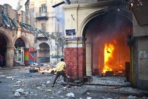 Strzelanina wewnątrz meczetu, w którym schronili się islamiści