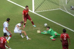 Strzelił trzy gole i przyćmił Ronaldo. Thomas Mueller bohaterem Niemców!