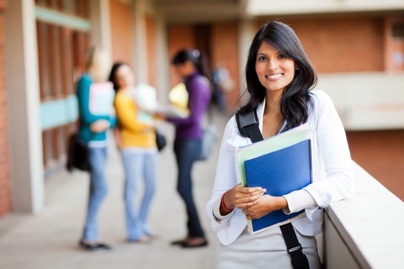 Studenci mogą otrzymywać stypendium tylko na jednym kierunku /123RF/PICSEL