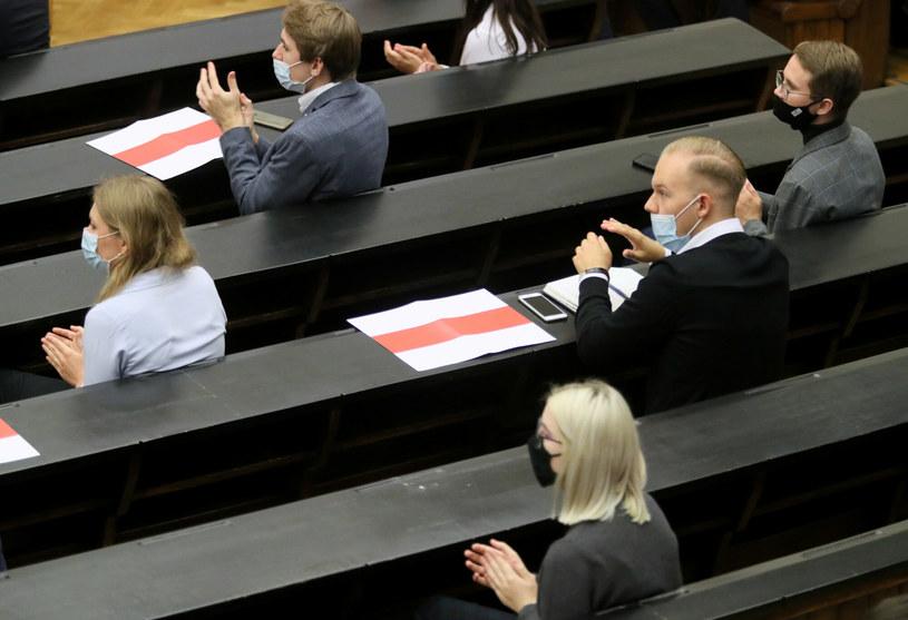Studenci na Uniwersytecie Warszawskim  podczas pandemii /Piotr Molecki /East News