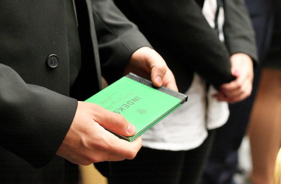 Studenci podczas inauguracji roku akademickiego /Tomasz Waszczuk /PAP