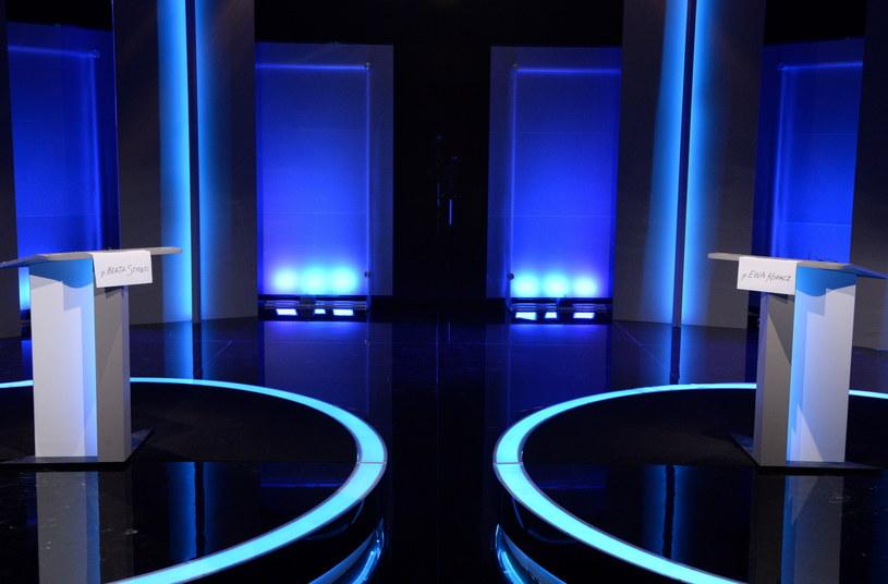 Studio Telewizji Polskiej, na dwie godziny przed rozpoczęciem debaty premier Ewy Kopacz oraz kandydatki PiS na premiera Beaty Szydło /Jacek Turczyk /PAP