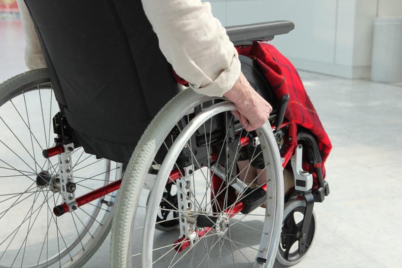 Stwardnienie rozsiane to poważna choroba autoimmunologiczna, cierpi na nią wiele Polaków /123RF/PICSEL