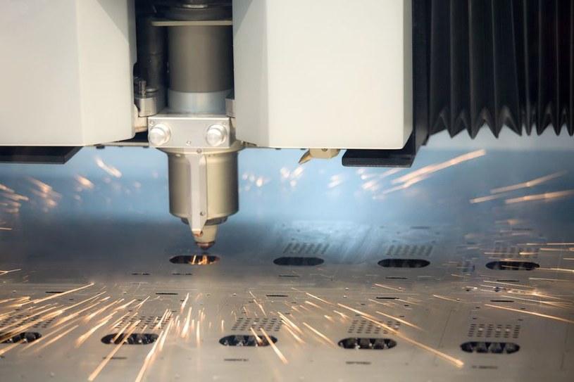 Stworzono pierwszy biały laser na świecie /123RF/PICSEL