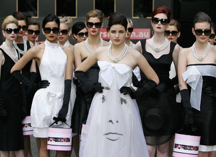 Styl Audrey Hepburn wciąż pozostaje nieustającą inspiracją dla współczesnych / fot. Sergio Dionisio /Getty Images/Flash Press Media
