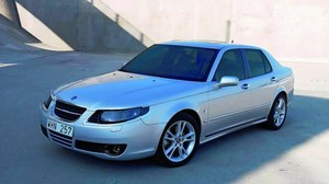 Stylizacja 9-5 z 2005 roku budzi kontrowersje. /Motor