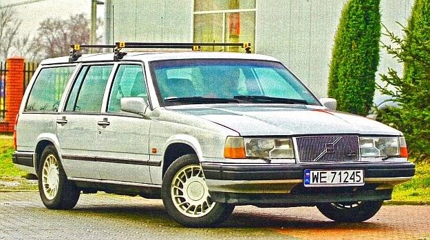 Stylizacja jest dziś uważana za kultową. Tak wyglądających aut już nikt nie produkuje. Nawet Szwedzi. /Motor